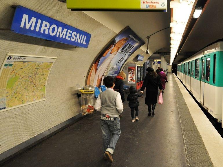 Le ticket de transport se dématérialise à Paris, des solutions sont prévues pour les usagers