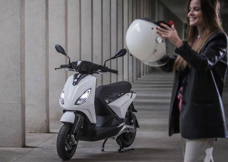 Piaggio One, One+ et One Active : trois nouveaux scooters électriques abordables arrivent en France
