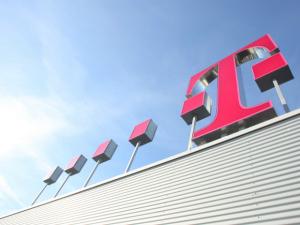 Deutsche Telekom suspend la vente de T-Mobile US