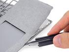 """Surface Laptop : une """"monstruosité remplie de colle"""" et donc irréparable"""