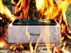 Débranche l'iPhone pour changer sa batterie en Apple Store