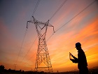 La fibre sort de terre et grimpe sur les poteaux électriques, merci EDF