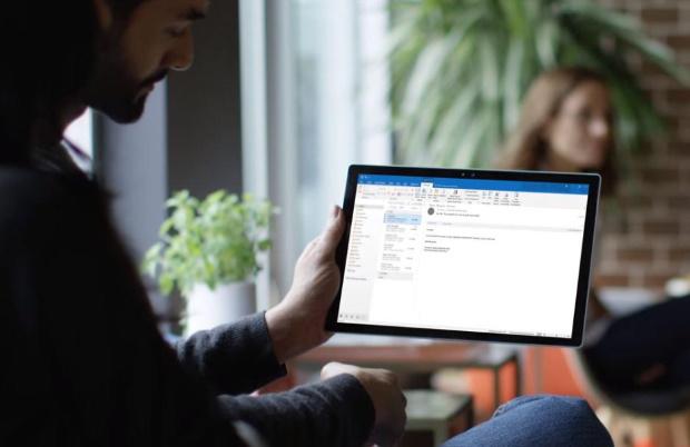 Microsoft finalise son bot Scheduler nourri à l'IA
