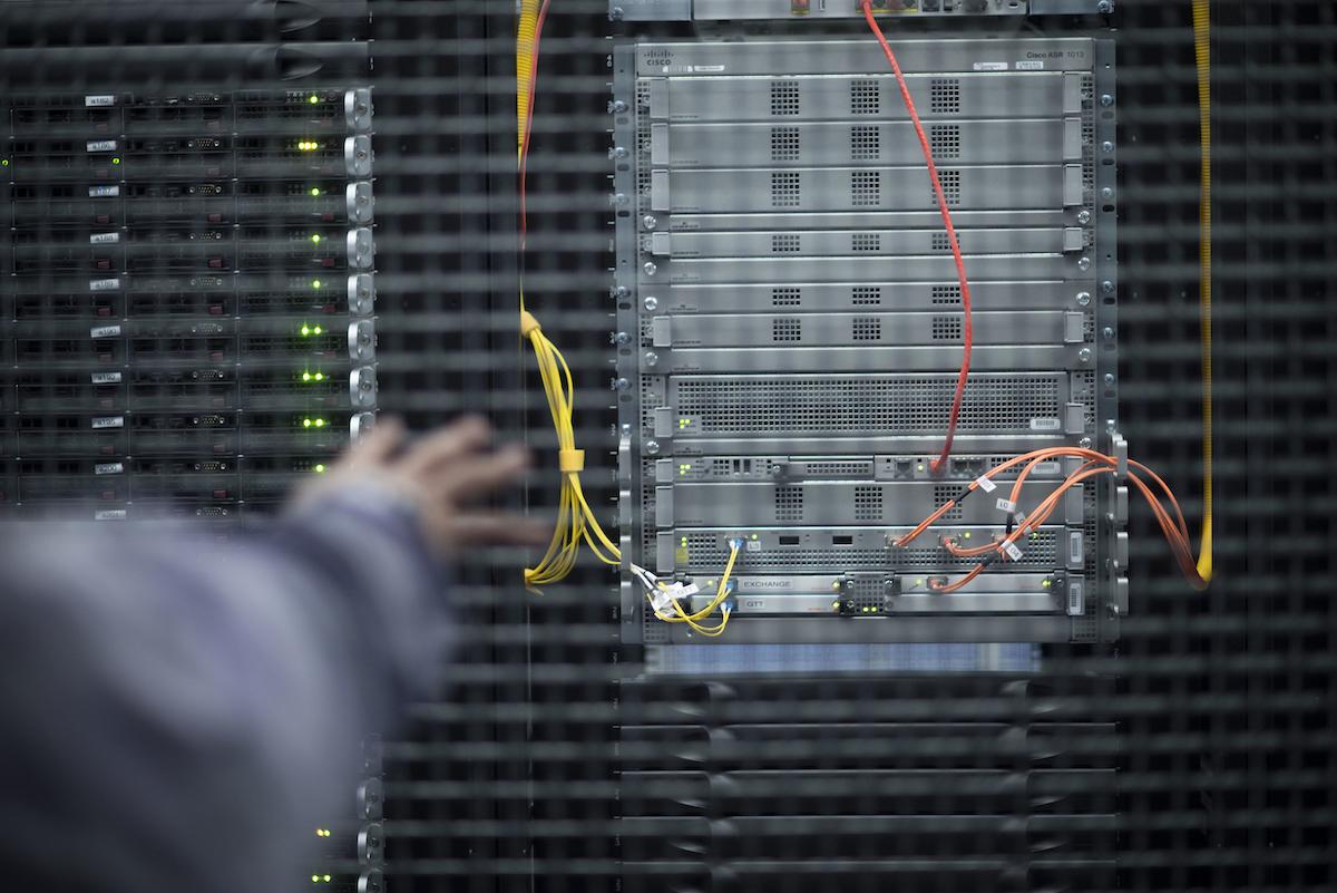 """Equinix vise le """"point idéal"""" entre la colocation et le cloud public"""