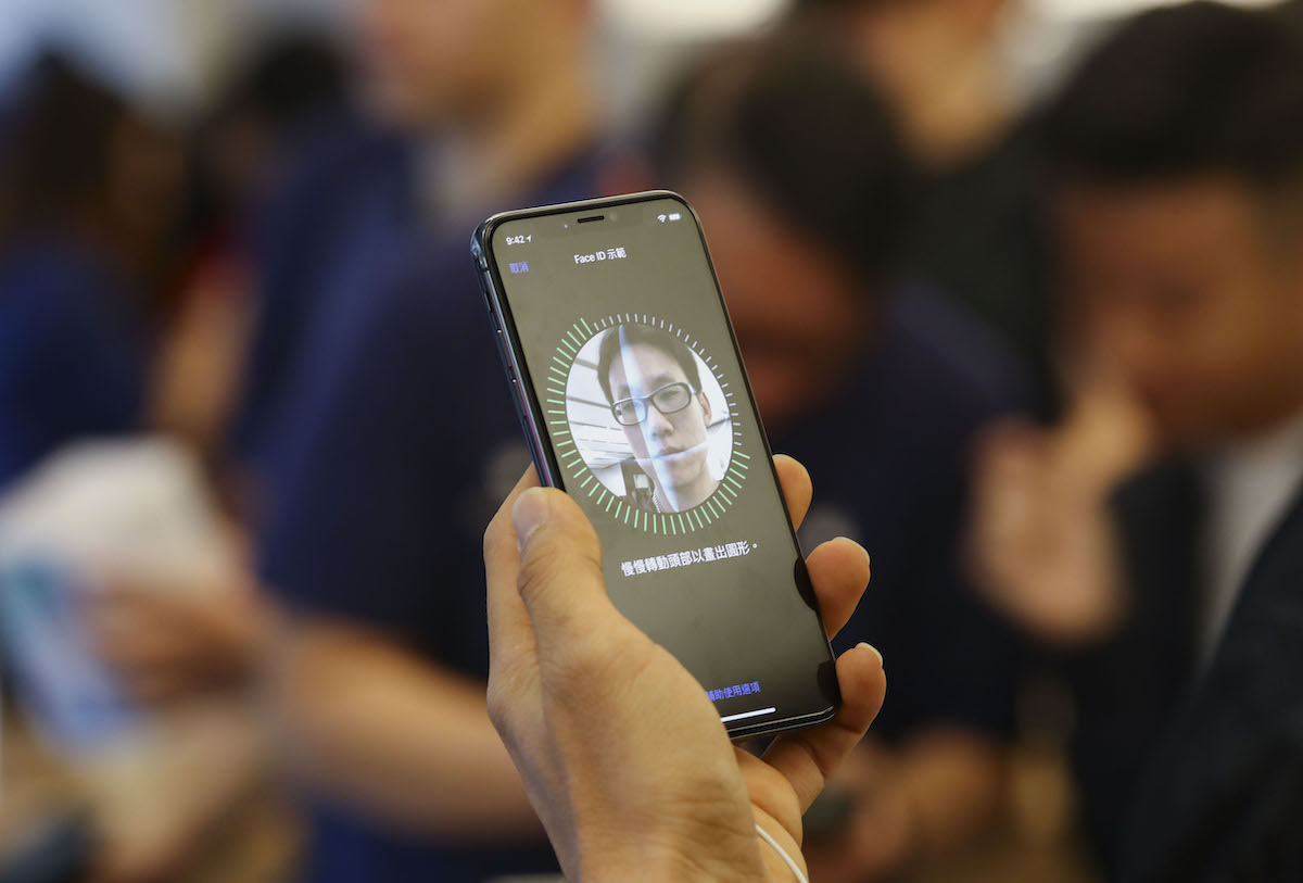 Les lecteurs d'empreintes digitales ne sont pas près de revenir sur l'iPhone