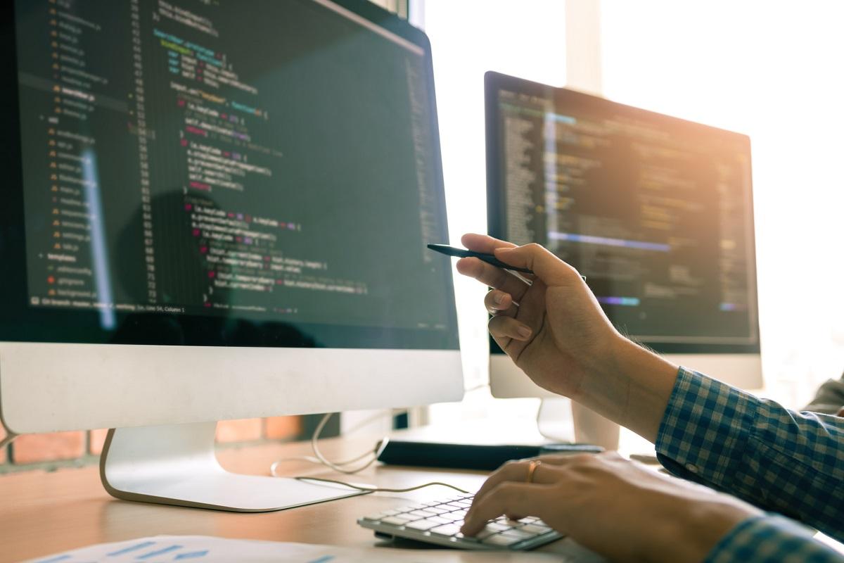JavaScript, Python et Java en tête des langages préférés des développeurs
