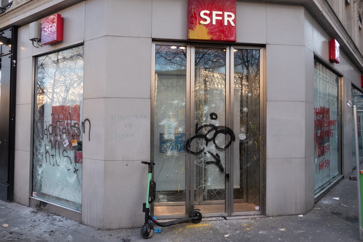 SFR prévoit un nouveau tour de vis dans ses effectifs - ZDNet France