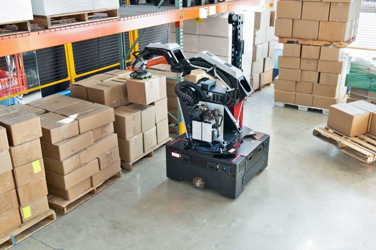 Le nouveau robot de Boston Dynamics remplace la main-d'œuvre des entrepôts