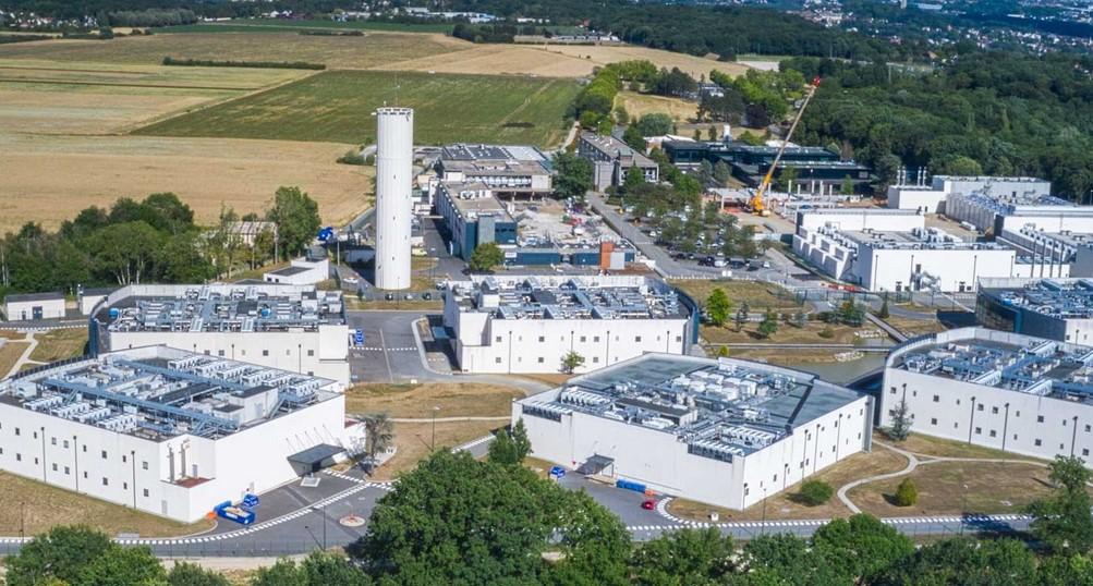 Datacenter : le français DATA4 lève 620 millions d'euros