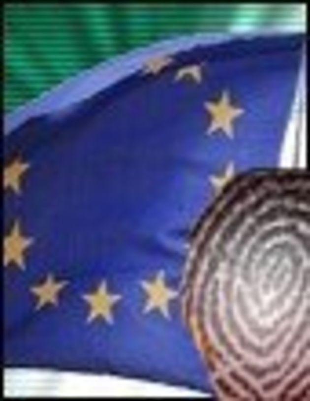Passeports: visage et empreintes numériques imposés par le Conseil de l'UE