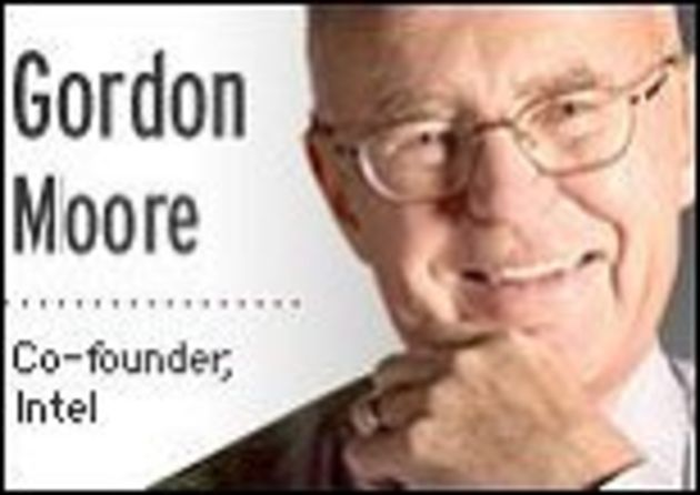 Gordon Moore, cofondateur d'Intel: «La loi de Moore continuera de se vérifier à court terme»