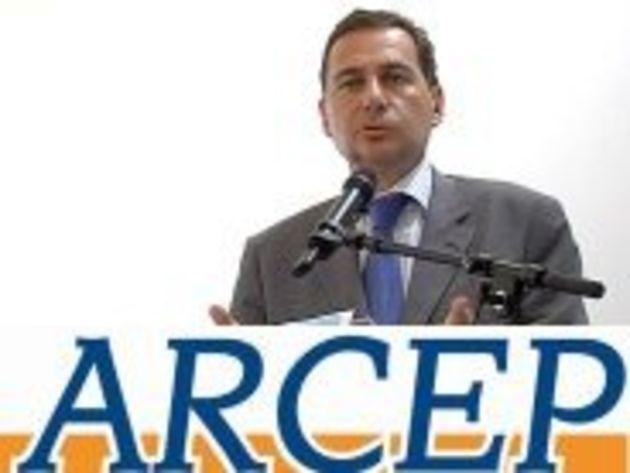 Arcep : le commissaire du gouvernement adopté par les députés, Eric Besson tente de se justifier
