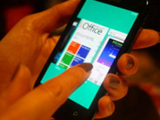 Windows Phone 7 Mango : caméra frontale supportée et intégration de Skype