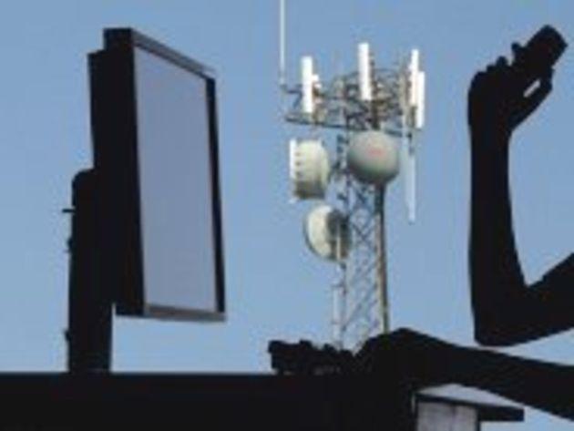 Réglementation des antennes-relais : Eric Besson affiche sa satisfaction