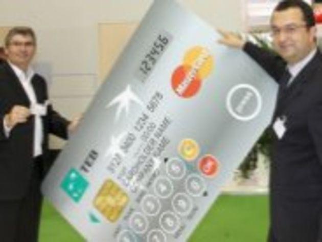 Mastercard va lancer une carte bancaire à écran et clavier intégrés