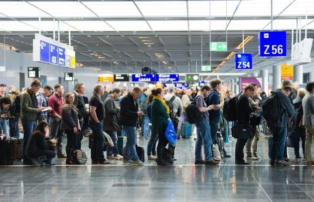 La reconnaissance faciale met deux pieds dans les aéroports parisiens