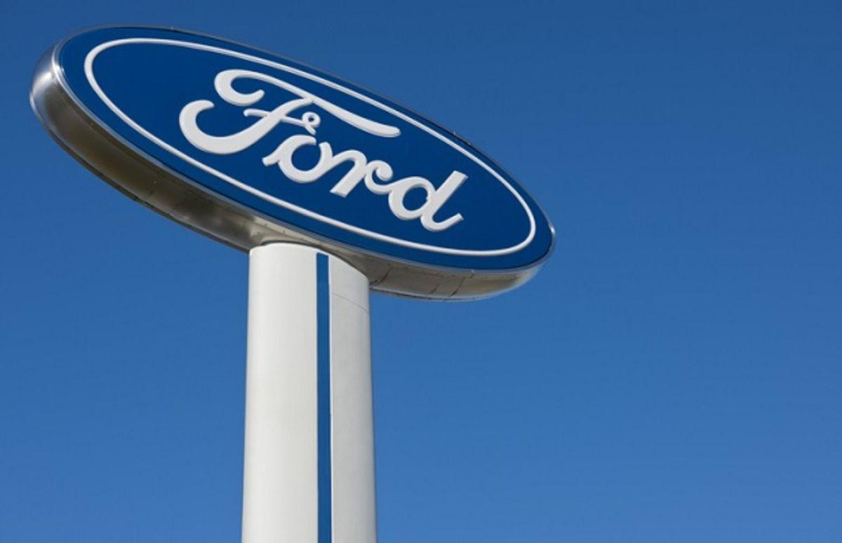 Ford embauche l'ancien cadre d'Apple et de Tesla, Doug Field