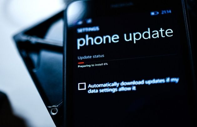 Windows 10 Mobile : Microsoft accorde un sursis d'un mois à son OS
