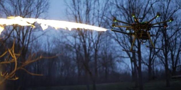 Vidéo : le lance-flammes volant, voici peut être le vrai destin des drones
