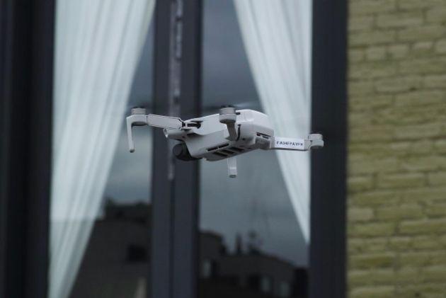Le poids plume Mavic Mini de DJI nous rapproche t-il de l'ère des drones en ville ?