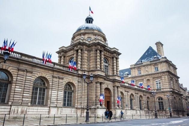 Sécurité des parlementaires français : ll faut reprendre le contrôle sur les smartphones