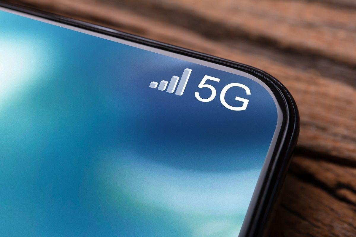 Les forfaits 5G seraient vendus via des pratiques commerciales trompeuses