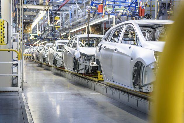 Pénurie de puces : les usines françaises de Stellantis à l'arrêt