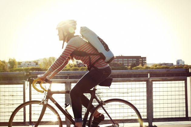 5G: Un opérateur met au point un casque de vélo connecté pour améliorer la sécurité