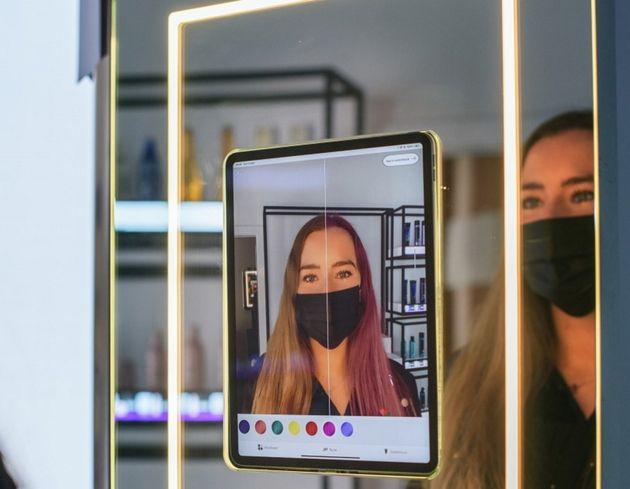 Amazon expérimente un salon de coiffure qui embarque la réalité augmentée