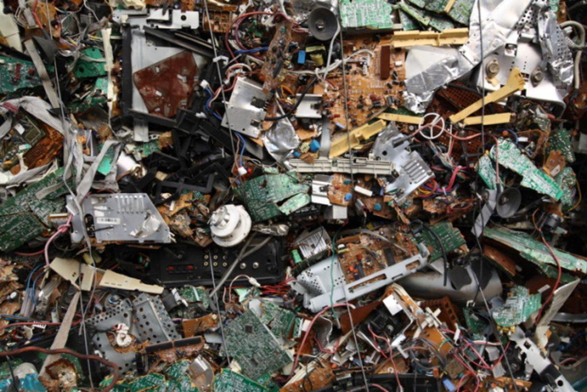 Nos vieux appareils créent une montagne de déchets électroniques