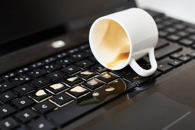Comment sauver votre ordinateur portable après un dégât liquide?