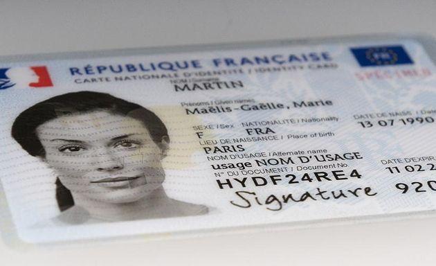 Vidéo : La nouvelle carte d'identité biométrique entre en vigueur ce lundi 2 août, quoi de neuf ?