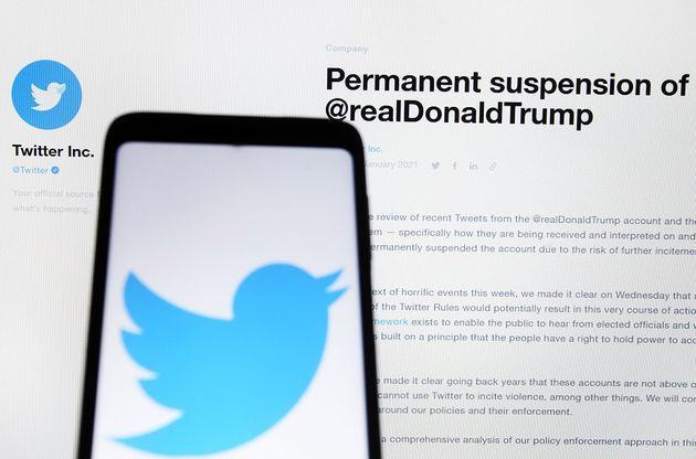 Donald Trump devant les tribunaux pour récupérer son compte Twitter
